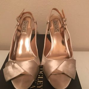 Badgley Mischka ivory satin heels